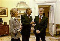 President Jimmy Carter greets Anne and Kirk Douglas, March 1978