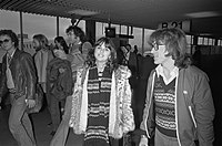 Ronstadt with producer Peter Asher and her band, 1976