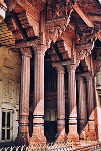Elements from the Akbar era are decorated in a syncretic style blending Hindu and Islamic motifs
