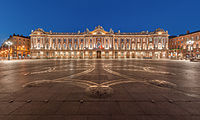 The Capitole de Toulouse hosts the city hall of that city.