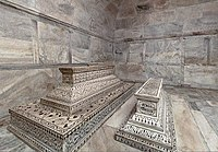 Tombs in lower chamber
