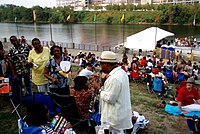 Kirk Whalum visiting the audience at a riverfront concert in 2007