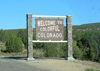 A Colorado state welcome sign