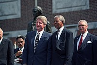 Mandela with US President Bill Clinton. Despite publicly criticising him on several occasions, Mandela liked Clinton, and personally supported him during his impeachment proceedings.