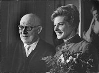 Bergman with Gustaf Molander, who directed her in Stimulantia