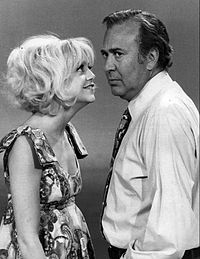 Reiner with Goldie Hawn on the set of Rowan & Martin's Laugh-In on January 16, 1970
