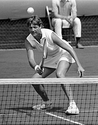 Court at the net in 1970