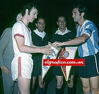 Franz Beckenbauer and Roberto Perfumo before a friendly v Argentina in 1970