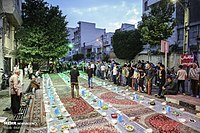 An example of Iranian public Iftar