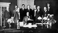 """<div style=""""text-align: center;"""">Taft's first cabinet, 1910"""