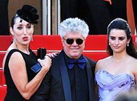 Almodóvar with Rossy de Palma (left) and Penélope Cruz at the premiere of Broken Embraces at the 2009 Cannes Film Festival