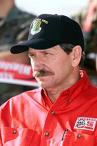 Dale Earnhardt finished second behind Gordon by 34 points