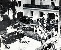 The bodies of two nationalists lie on the ground after their attack on La Fortaleza (1950)