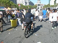SFPD officer on a Trek bicycle.