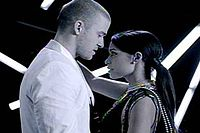 Timberlake with a female dancer in the music video.