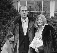Carradine and his daughter Kansas with wife Gail in 1987