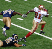49ers' former running back Frank Gore in action against the St. Louis Rams in 2007