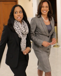 Harris (right) with her sister Maya in 2014.