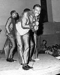 Levi Stubbs singing lead with the Four Tops in 1966