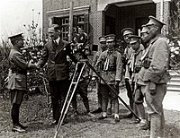 He Yingqin thanked for the cinematographer during Northern Expedition