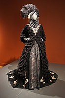Knightley's costume (posing as Padmé Amidala) from Star Wars: Episode I – The Phantom Menace (1999) on display at the Detroit Institute of Arts