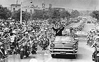 With Chiang Kai-shek, US president Dwight D. Eisenhower waved to crowds during his visit to Taipei in June 1960.