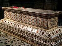 Jehangir's cenotaph is richly embellished with intricate inlay.