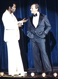 Gorshin performing with Lou Rawls in 1977