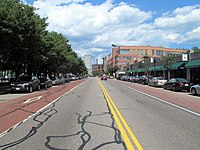 Red-painted bus lanes on an uncongested section of Washington Street