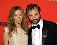 Apatow with his wife, actress Leslie Mann