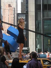 """Swift performing """"You Belong with Me"""" at rehearsals for the 2009 MTV Video Music Awards."""