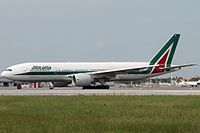 Alitalia Boeing 777 in the 2005 Livery