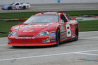 Earnhardt turning into the garage at Texas Motor Speedway in 2007