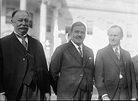 Former U.S. President William Taft, Mexican President Plutarco Elías Calles, and U.S. President Calvin Coolidge at the White House.