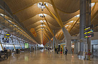 Interior of the terminal 4 (T4) of the Madrid–Barajas Airport.