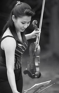 Classical violinist Sarah Chang before performing a 2005 solo concert