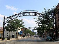 Street arches returned to the Short North in late 2002.