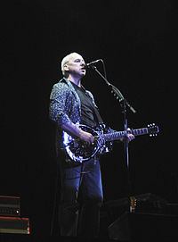 Knopfler at the NEC in Birmingham, England, 16 May 2008