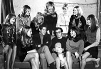 Allen with the Broadway cast of Play It Again, Sam (1969).
