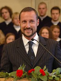 """Haakon Magnus, Crown Prince of Norway, BA 1999<ref>""""Her Norwegian heritage drew her to projects with the Norwegian Consulate in San Francisco and the Norwegian American Cultural Society, and she hosted a party for Crown Prince Haakon Magnus when he graduated from UC Berkeley in 1999.""""{{cite news title=Sigrun Corrigan, Bay Area arts patron, dies author=Carolyne Zinko date=July 3, 2008 newspaper=San Francisco Chronicle url=http://articles.sfgate.com/2008-07-03/bay-area/17174224_1_mrs-corrigan-lsi-logic-ballet-san-jose}}</ref>"""
