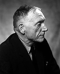 Robert Penn Warren, MA 1927 – novelist and poet, who received the Pulitzer Prize three times