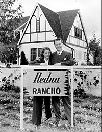 Red and Edna Skelton at home, 1942