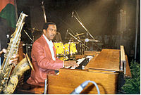 Jimmy Smith's use of the Hammond organ in the 1950s gave him commercial success and influenced other notable organists