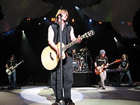 """The band performing """"Slide"""" in 2007"""