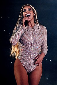 Beyoncé scored 6 number ones in the 2000s—two with Destiny's Child and four solo.