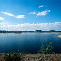 Sugarloaf Reservoir at Christmas Hills in the metropolitan area is one of Melbourne's closest water supplies.