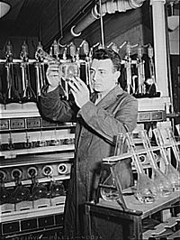 Research laboratory at U.T. in the early 1940s