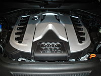 Front view of the installed V12 TDI engine in the Audi Q7 V12 TDI quattro