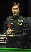 O'Sullivan with the trophy of the 2012 German Masters