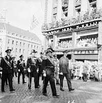 Funeral procession of King Haakon VII with King Olav V and Crown prince Harald at the front